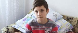 "Apel umanitar pentru Alex: ""Vreau devin medic, sa joc fotbal si sa vorbesc limba engleza"""
