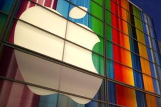 """Apple are """"la saltea"""" de trei ori mai multi bani decat Romania"""