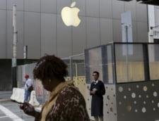 Apple isi rascumpara din actiuni. Da o avere pe ele