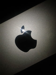 Apple lucreaza la ochelarii inteligenti - Cand ar putea fi lansati