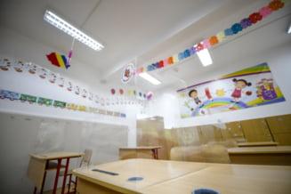 Aproape 500 de clase si-au suspendat cursurile in ultima saptamana ca urmare a cazurilor de COVID-19