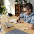 Aproape jumătate de milion de elevi învață online, la o lună de la începerea școlii