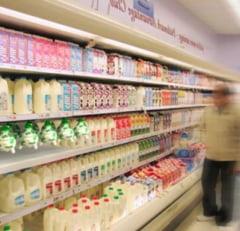 http://tb.ziareromania.ro/Aproape-jumatate-din-laptele-de-pe-piata--contrafacut-cu-apa-si-faina/4b8a2f18b9c03e7e0/240/0/1/70/Aproape-jumatate-din-laptele-de-pe-piata--contrafacut-cu-apa-si-faina.jpg