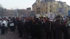 "Aproximativ 11.000 de timisoreni au iesit in strada: ""Grindene, cu trupa ta faci de ras Timisoara"" UPDATE"