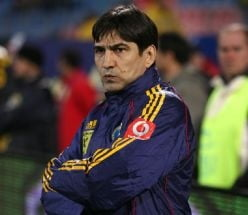 Ar trebui demis Piturca de la nationala Romaniei? - Sondaj Ziare.com