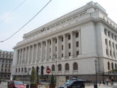 Arenele BNR trebuie rascumparate de stat de la Banca Nationala, considera ministrul Stroe