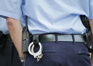 Arest preventiv de 30 de zile pentru noua agenti de politie de la Inmatriculari Auto Timis