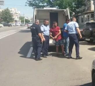 Arestati pentru talharirea unei craiovence de 73 de ani