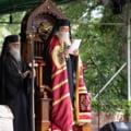 """Arhiepiscopul Sucevei si Radautilor: Preotii prinsi ca """"citesc viitorul"""" prin """"deschiderea cartii"""" risca sa devina laici"""
