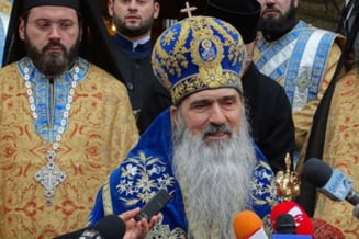 """Arhiepiscopul Teodosie critica ortodocsii care au botezat copilul unei familii de catolici: """"Au facut un lucru rau, gresit. Sa se spovedeasca si sa se caiasca pentru acest pacat"""""""