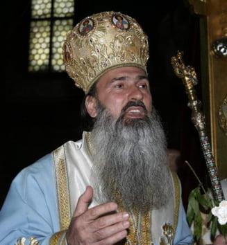 Arhiepiscopul Tomisului, urmarit penal pentru luare de mita (Video)