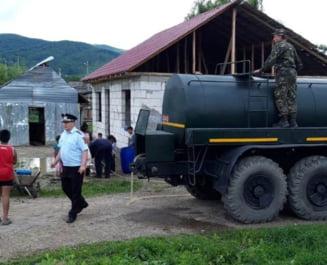 Armata a intervenit cu tehnica in sprijinul populatiei afectate de ploi si inundatii