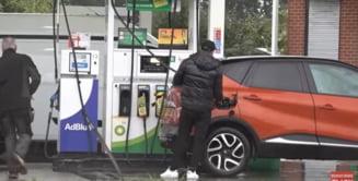 """Armata britanică ar putea interveni în criza benzinei. Penuria de combustibil se extinde în urma """"cumpărăturilor din panică"""""""