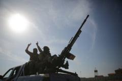 Armata siriana va ajuta kurzii si va desfasura forte de-a lungul frontierei cu Turcia