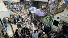 """Asaltul talibanilor continuă în Afganistan: o importantă capitală provincială a căzut în mâinile insurgenților. """"Guvernul a eşuat"""""""