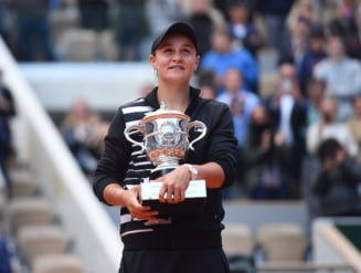 Ashleigh Barty a spulberat-o pe Marketa Vondrousova in finala Roland Garros 2019