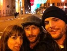 Ashton Kutcher are grija de viitor: si-a petrecut Craciunul cu o scenarista