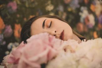 Aspectul ingrijit al fetei se coreleaza cu longevitatea si succesul