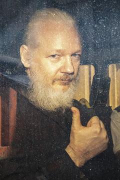 Assange a avut copii cu avocata sa, cat a fost refugiat in Ambasada Ecuadorului