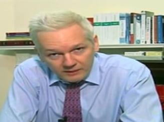 Assange il ataca pe Obama: Ar fi vremea sa-si tina cuvantul (Video)