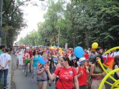 Astazi, in Bucuresti, au loc Marsul Diversitatii si Marsul Normalitatii. Redefinirea familiei in Constitutie agita spiritele