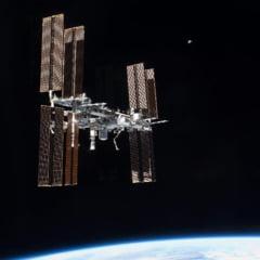 Astronautii se apuca de cultivat ardei pe Statia Spatiala Internationala