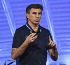 """Asul din maneca lui Ionut Lupescu: Cum vrea sa """"dribleze"""" regula lui Burleanu"""