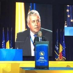 Atac al unui lider PNL la Ciolos: A avut agenda dubla, a mentinut oameni ai PSD in functii guvernamentale cheie