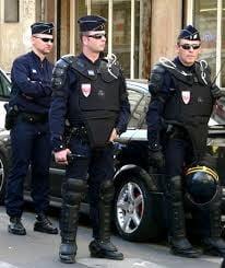 """Atac in Franta - A strigat """"Allah e mare"""" si a intrat cu masina in pietoni"""