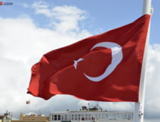 Atac pe o autostrada din Turcia UPDATE: Printre morti e si un copil (Video)