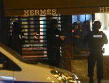 Atac terorist in centrul Parisului: A fost emis un mandat de arestare pentru un al doilea suspect. Politia avertizeaza ca e periculos