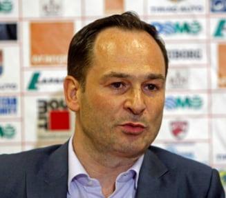 Atac violent la adresa patronului lui Dinamo: Eu ce sunt, carpa?