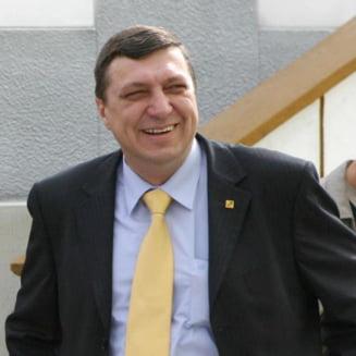 """Atanasiu: Exista solutii si fara UDMR la guvernare, Ponta ii va arata """"sperietoarea"""""""