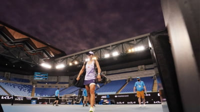 Atentie, Simona Halep. Ashleigh Barty s-a calificat in optimi la Roland Garros. Si spaniolul Nadal merge mai departe