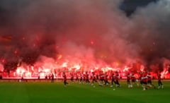 """Atmosfera senzationala in Turcia: Fanii lui Galatasaray au """"dat foc"""" stadionului!"""