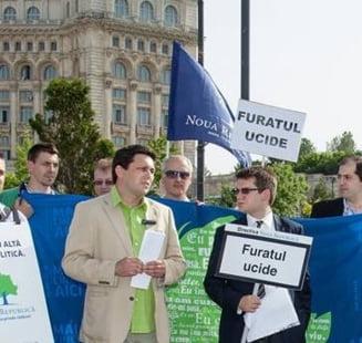 Augustin Ofiteru (PNR): Ponta a primit drepturi de autor pentru plagiatul sesizat la Parchet