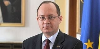 """Aurescu, mesaj pentru romanii din diaspora, """"victime"""" ale diviziunii"""