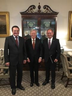 Aurescu si Maior au fost primiti la Casa Alba de consilierul lui Trump pentru securitatea nationala