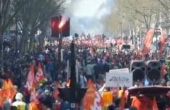 Austeritatea a scos francezii in strada: Zeci de mii de oameni protesteaza la Paris (Video)