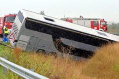 Autocar din Galati, rasturnat pe autostrada M43 din Ungaria