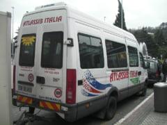 Autocar romanesc rasturnat in Italia: 8 persoane au fost ranite