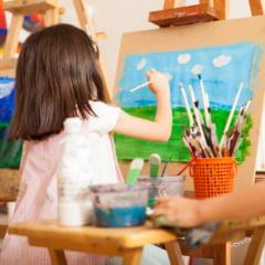 Autoizolarea - momentul perfect pentru ca cei mici sa imbratiseze pictura