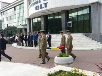 Autoritatile au sarbatorit Ziua Drapelului National, la Slatina