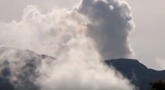 Autoritatile din Indonezia ridica nivelul alertei pentru vulcanul Anak Krakatau. Exista riscul unor noi eruptii