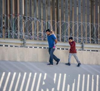 Autoritatile din SUA incearca sa blocheze intrarea in tara a imigrantilor prea saraci