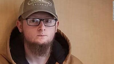 """Autorul atacului armat la saloane asiatice de masaj din Atlanta, Robert Aaron Long, inculpat de terorism intern. """"Si-a """"selectat"""" victimele"""""""
