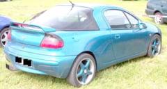 Autoturism Opel neinmatriculat, descoperit la Harsova