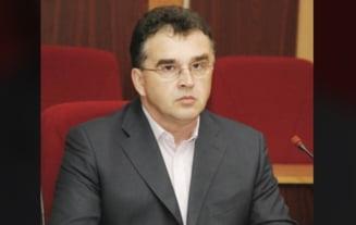 Averea lui Marian Oprisan dupa doua decenii la sefia CJ Vrancea: Un imprumut de 50.000 de euro de la mama lui si un depozit de peste 200.000 de lei