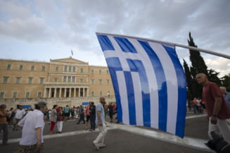 Avertismentul unui laureat Nobel: Lupta e despre putere, nu bani. Atac la democratia Greciei!