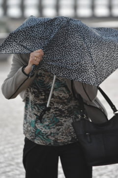 Avertizari MAE: Vant de 130 km/h in Irlanda, fenomene meteo intense si in Grecia
